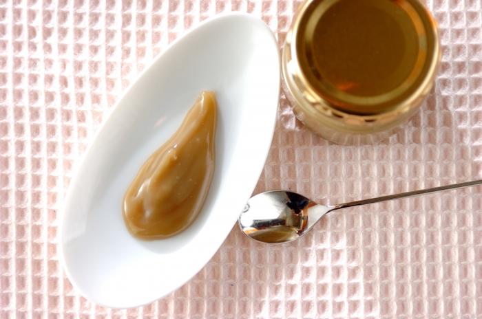 ミルクジャムが好き♪という方におすすめ、ココナッツミルクジャムはいかがですか?ココナッツミルクときび砂糖だけでできるレシピです。キレイなベージュは体に優しいきび砂糖の色。火にかける時には、焦げないように気を付けましょう。