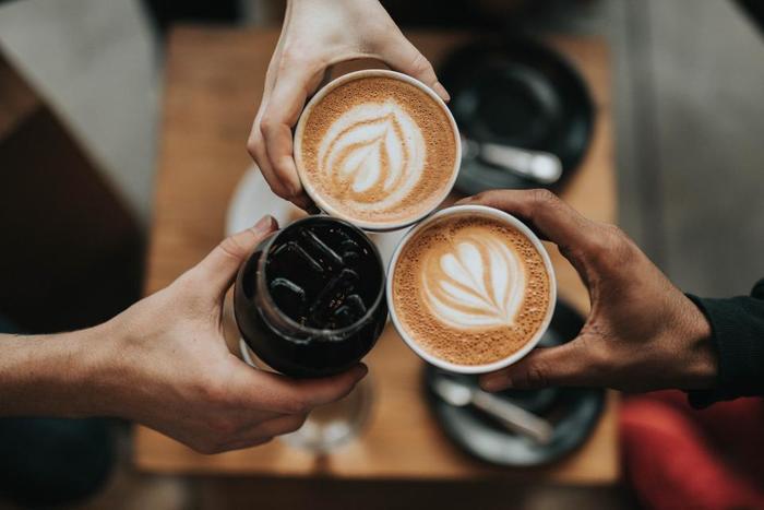 フットワークの軽い人は、突然の誘いはもちろん「せっかくの機会」を無駄にすることがありません。久しぶりの人とたまたま再会した場合には、食事やお茶にサッと時間を作るため、広い人脈を築くことができます。