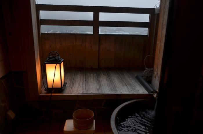 自宅ではもちろん、銭湯などでも季節ごとのお風呂を楽しむことができます。 日本の美しい四季を感じられる「季節湯」で、日頃のストレスや疲れを癒してみて下さい。