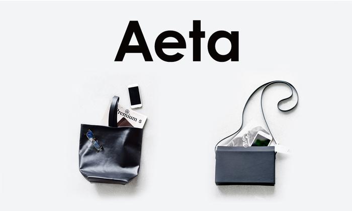 Aetaは、様々な国や地域に赴き、現地での一期一会を形にするブランドです。 ブランドネームの語源は日本語の「逢えた」に由来し、一つ一つの出逢いを大切に型にはまらない自由な発想で、 丁寧なものづくりを信条としています。素材には世界中の名だたるメゾンも使用するバングラデシュ産のレザーを採用。 素材の選定から完成に至るまで全ての工程をバングラデシュ現地で行うことで高品質のアイテムを生み出しています。