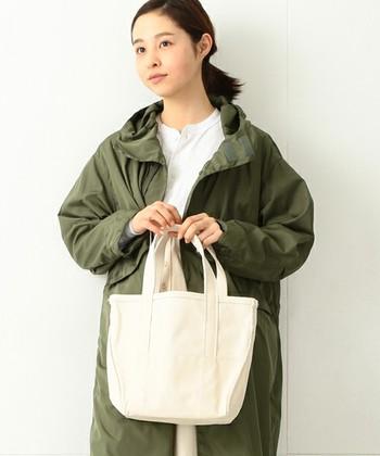1912年に創業したアメリカの老舗アウトドアブランド『L.L.Bean(エルエルビーン)。日本では特にマザーバッグとしての人気が高いですが、幅広い世代から支持されている世界的人気ブランドです。
