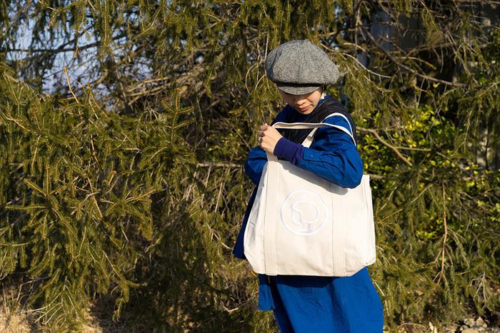 やっぱり使いやすい。定番「白キャンバストートバッグ」おすすめブランド【8選】