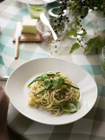 イタリアンからエスニック、サラダやパンにのせたり、大活躍するバジルがキッチンにあればとっても便利♪