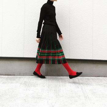 """秋冬は""""足元おしゃれ""""を楽しもう♪参考にしたい「靴下 / タイツ / レギンス」コーデ集"""