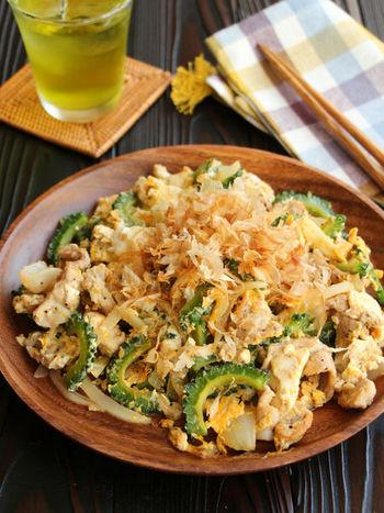 動画付きでとってもわかりやすく解説してくれている、基本のゴーヤチャンプルレシピです。栄養満点のゴーヤの苦味を豆腐がまろやかにしてくれる。こちらも覚えておきたい簡単レシピです。