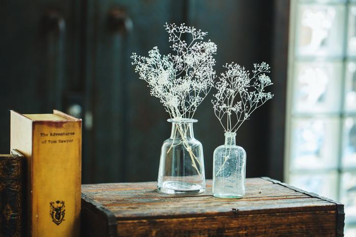 白く華奢な小花が無数についたカスミソウ。ドライフラワーだと、いっそう小花の愛おしさが増してきます。そんなカスミソウの魅力を閉じ込めた素敵なレシピです。