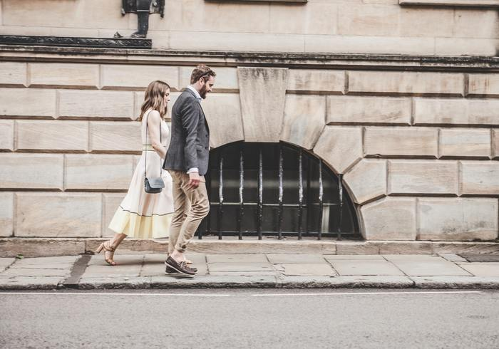中強度とはかろうじて会話ができるくらいの速歩きが目安です。ウォーキングは、量ではなく質を高めていくことが重要です。ここからは、歩きの質を高めるために気をつけたい意識ポイントを見ていきましょう。