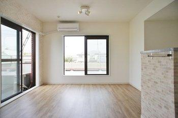 ピカピカの床は気持ち良い♪ 今よりもっときれいになるフローリング掃除のコツ