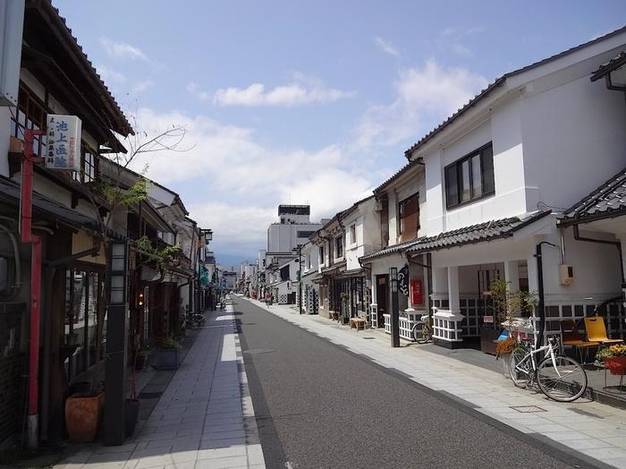 松本へ旅行の際には天気予報をチェックするのも忘れずに。晴れても雨が降っても、それぞれに風情があって楽しめる街です。街を歩きながら、素敵な写真を撮って、おいしいものを食べましょう!