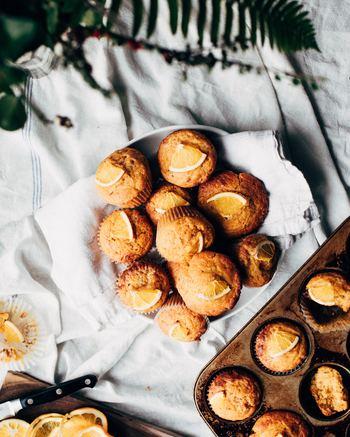 お気に入りのお菓子作りの道具たちもきっと大活躍してくれますね。  お菓子作りの時にお菓子を焼くいい香りが広がって、なんだかワクワクしてきます。 出来上がったら、好きな音楽をBGMに流して、お茶と一緒にゆっくり味わって。  上手にできたら、嬉しい気持ちと一緒に誰かにおすそ分けするのもいいですね。