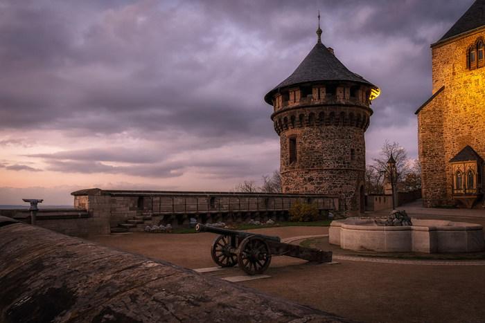 こちらのお城、どこかで見たことありませんか?ヴェルニゲローデは、グリム童話でもありディズニー映画にもなった「ラプンツェル」の舞台となった街としても知られています。