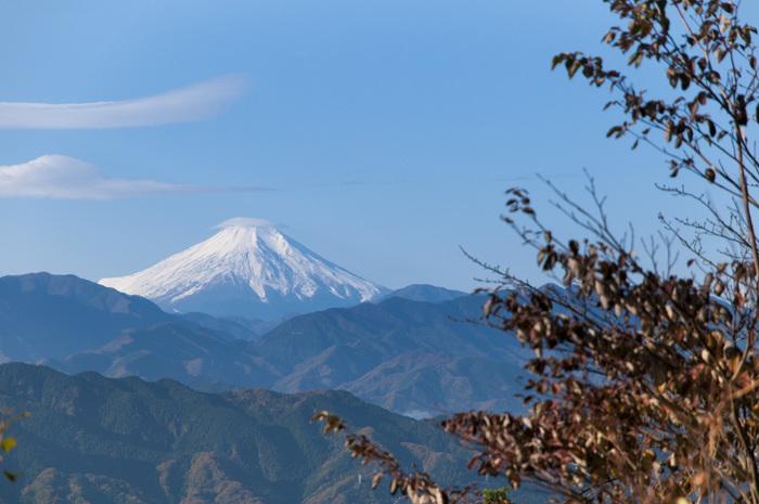 天気のいい山の頂からは、富士山の姿がみられます。二人でゆっくり登って、気持ちのいい汗をかいて、気持ちもリフレッシュ!