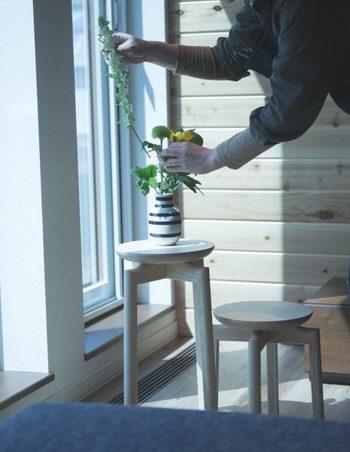 高さの違いを利用して、机と椅子、お花などの飾り台、小さなお子さんのための踏み台などなど、アイディア次第で使い道はたくさんありますね♪