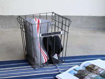 アイテム名はゴミ箱でも、普通のワイヤーバスケットとして使用もOK。ブランケットを入れたり、雑誌を入れたり、洗濯物を入れたり…家の中、どこでも使えますね♪