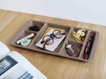 こちらも、食器として使わずに、小物整理に利用するのも◎です。このまま引き出しの中にいれても使いやすそうですね♪