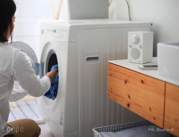 さらにPALのスピーカーは生活防滴仕様なので、毎日のお洗濯やお化粧タイムにも大活躍!水をあまり気にせず使えるって嬉しいですよね。
