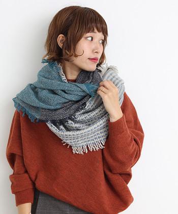 ウール100%で、首元あったか。色のニュアンスも素敵。冬ファッションのおしゃれなアクセントになってくれそうですね。