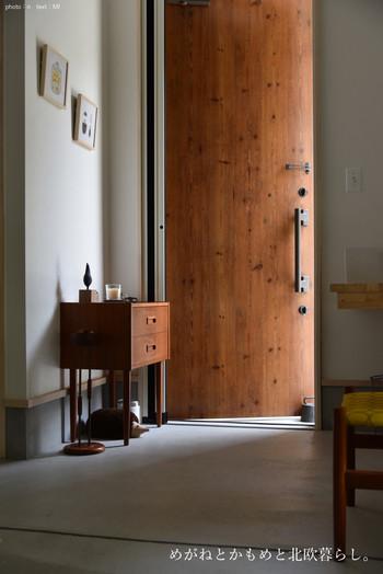 いかがでしたか? 人と同じく、家だって第一印象が大切です。リビングやキッチンにこだわるように、玄関も自分らしく心地よく。みんなが笑顔になるような素敵な空間にしてください♪
