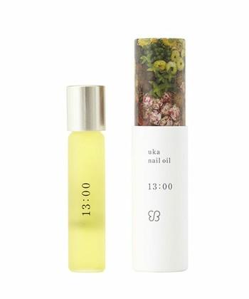 ■ウカ ネイルオイル  人気のウカのネイルオイルは全6種類。13:00は、ミント・レモン・パインを配合したさわやかで元気な香り。他にも、気分を落ち着けるサンダルウッドの香りの7:15、ローズやオレンジを配合した女性らしい香りの18:30など、気分によって使い分けるのもおすすめ。