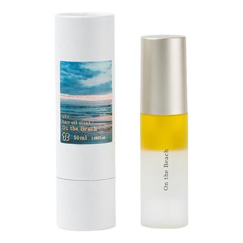 ■ウカ ヘアオイル  ウカのヘアオイルは使いやすいミストタイプ。油分だけでなく水分も含まれた二層式です。バニラ調の甘い香りに少しミントが見え隠れするすっきりとした香り。