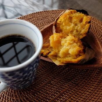 種子島の特産として知られる品種です。濃い黄金色の果肉は、加熱するとねっとりクリームのように。そのままでもスイーツのように食べられます。