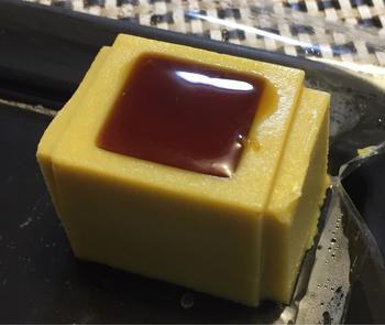 レア・スイートポテトに安納芋蜜をかけていただく「あめんどろレア・スイートポテト」は1日に限定数のみしか販売されないレア商品です。