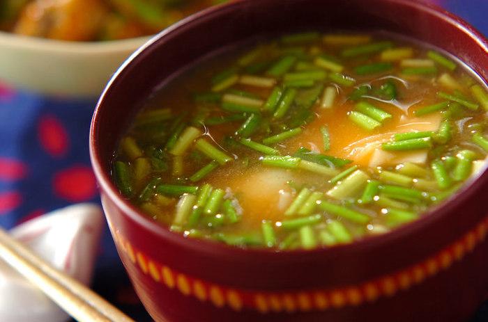 ゆり根はお味噌汁に入れても◎。ほんのり甘くて美味しい、食感も楽しめるお味噌汁に。