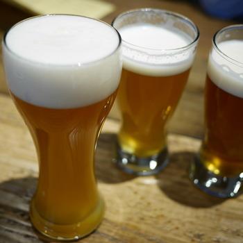 飲めるビールはもちろん日によっていろいろ。風味やコンセプトが丁寧に書かれたメニューがあるので、ビール初心者でも自分好みの1杯を選べそうです。「風月ペールエール」「月の杯ヴァイツェン」などどことなく詩的なネーミングにひかれます。