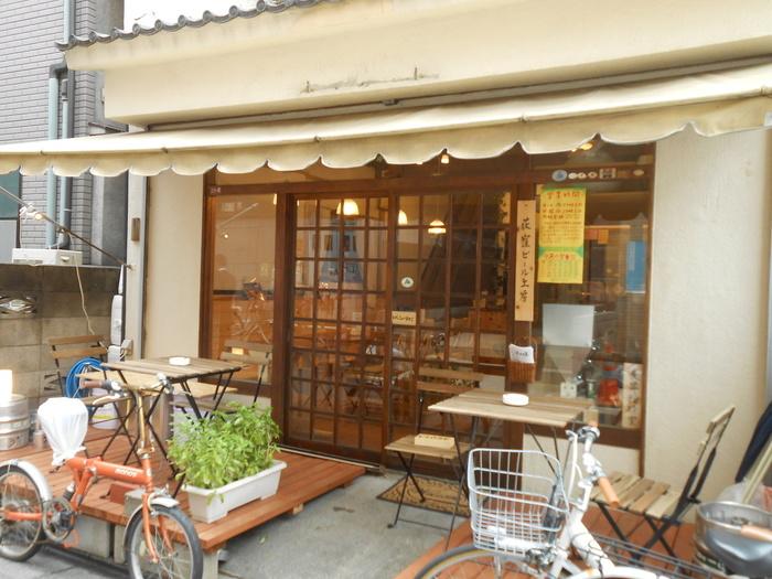荻窪駅南口から徒歩約3分ほど。古民家風の店構えがかわいらしいお店です。荻窪以外にも高円寺、阿佐ヶ谷、中野など中央線沿線を中心に系列店があります。