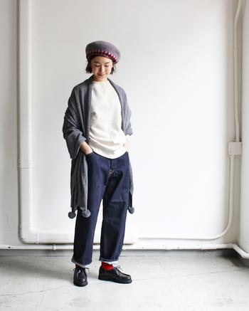 シックな秋冬ファッションが垢抜ける「差し色コーデ」で大人の遊び心を取り入れて♪