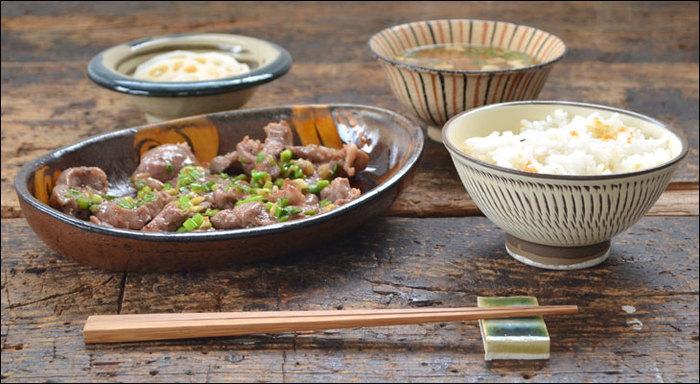 栗・さつまいも・れんこん・きのこ・秋刀魚、かぼちゃ、そして新米。実り豊かな秋の食材を使ったお料理には、ほっこり柔らかい表情の「和食器」がよく似合います。