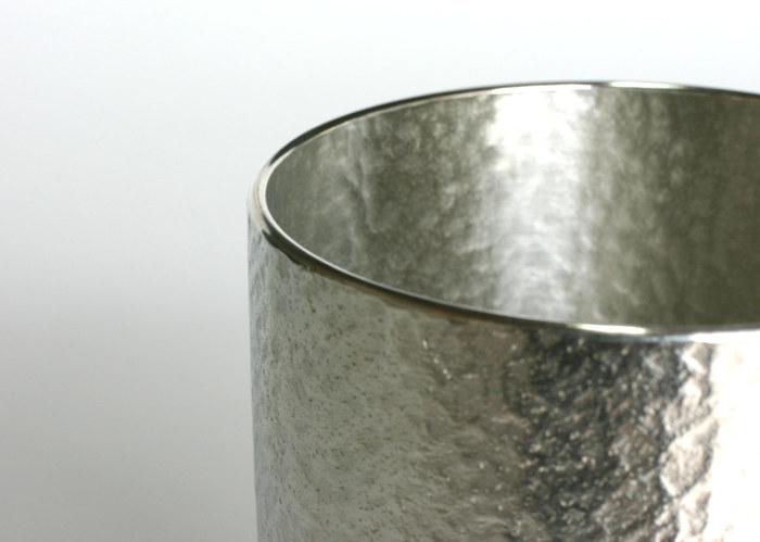 約1300年前に海外から日本に伝わったと言われている錫は、当時はとても貴重な品で、そのため使用できるのは特権階級の人々のみだったそう。