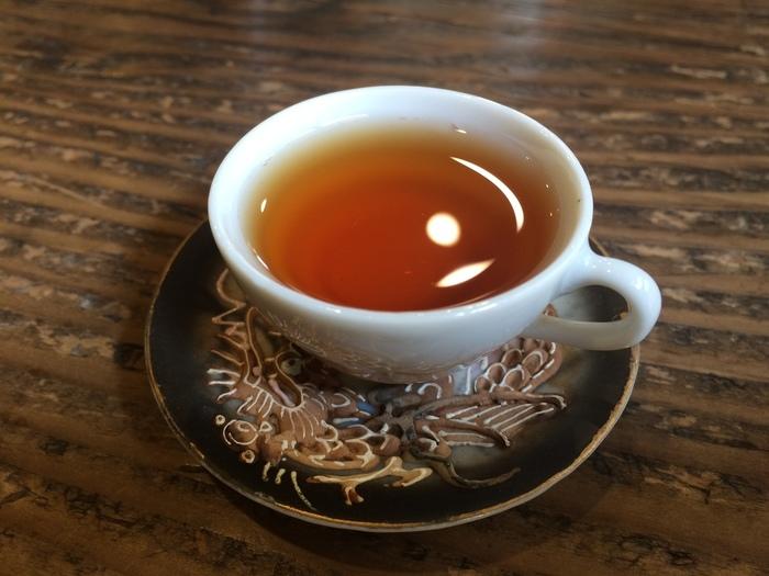 注文したお茶が届く前に「ウェルカムティー」がいただけます。紅茶だけでなく、中国茶、日本茶なども取りそろえられており、どれを飲むか迷うところです。