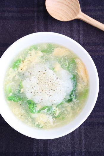 大根おろしと白菜、卵でつくるおなかも、心もほっこりのスープ。とっても簡単なので、さっと夕食をすませたいときや調子がでないときにも、ふわふわの大根おろしで癒されてくださいね。
