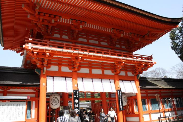 世界遺産に登録されている下賀茂神社は、創建年は不明ですが、京都屈指の古い神社として知られています。