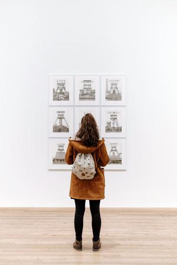 長く人々に愛され続けるアートや名画などは、時代を超えて普遍的に私たちに訴えかけてゆくものがあります。普段の生活でアートに触れる機会はなかなかありません。美術館や展示会で率先して出かけましょう。自宅で名作映画をゆっくり鑑賞するのも良いですね。心を潤して自分の感性を枯らさないようにしましょう。きっと普段の生活の見え方が変わってくるはずです☆
