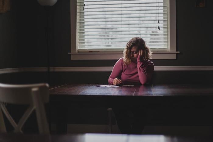振り返る作業はとてもエネルギーが要るもの。しかし、気持ちを整理して、怒りや悲しみを手放すには欠かせないものでもあります。どんなに時間がかかっても良いので、休み休み記しましょう。