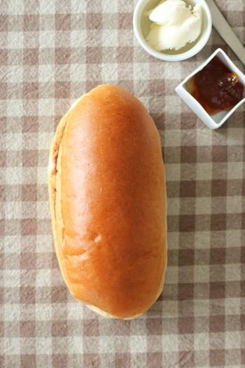 生クリームやフルーツなどスイーツ感覚のコッペパンや、定番の焼きそばや野菜を挟んだおかず系のコッペパンなどなど。 パン本来の美味しさと具材とのハーモニーを楽しめる美味しいコッペパンのお店をご紹介します。