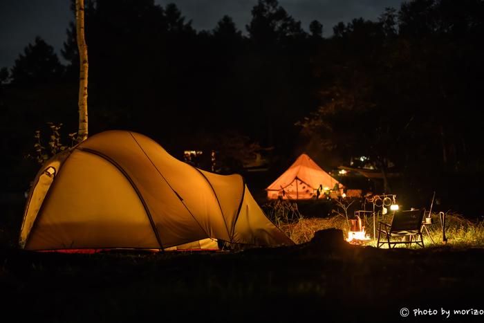 焚き火は、どこでもできるわけではありません。キャンプ場や炊事公園など「火気OK」の場所で行うことが鉄則。火を使う際のルールや条件はしっかり守りましょう。