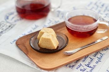 いかがでしたか?日本茶・紅茶・中国茶は同じお茶ですが、その味や香りは個性があります。お茶と合うお菓子を見つけてみるのもいいですね。ぜひ、美味しいお茶とお菓子を楽しんでくださいね♪