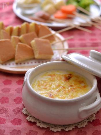 「甘い系」の具材でおすすめなのがホットケーキ。甘い生地に塩気のあるチーズを重ねた有名スイーツ「デンマークチーズケーキ」を思わせる味わいに。