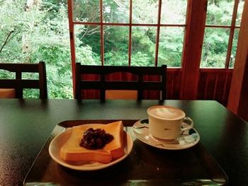 「ぼうず'n coffee」のコーヒーは、バリスタでもある副住職が淹れています。季節によってメニューが変わる和スイーツや、日本茶、お抹茶などもありますよ☆営業は不定期のため、Facebookをご確認下さいね。