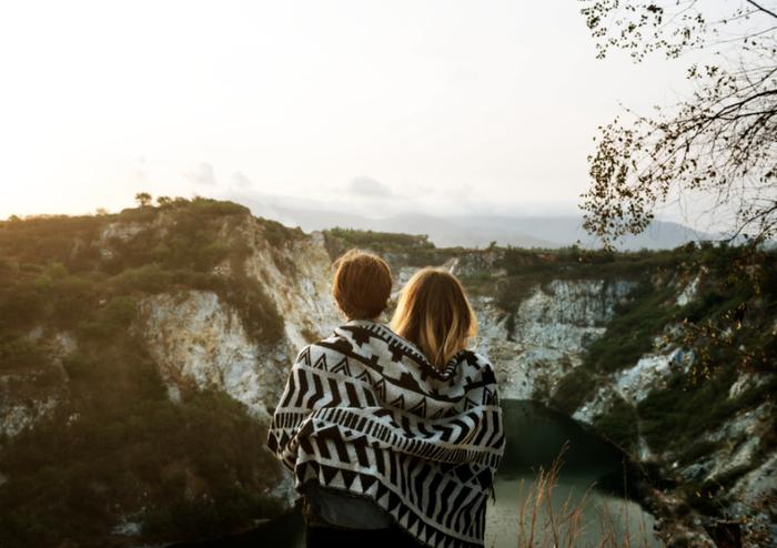 一緒に時を過ごす家族、親しい友人がそばにいることもかけがえのないことですね。それはあたりまえなのではなく、幸せなことだと忘れている部分もあるのかもしれません。