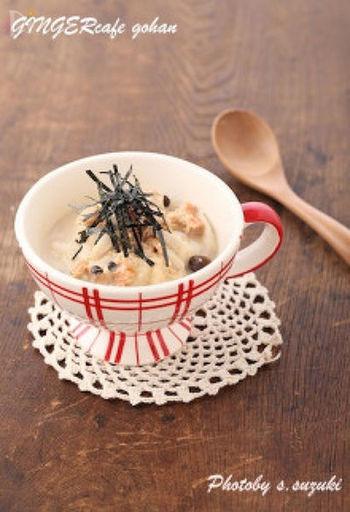 【鮭のジンジャースープごはん】 鮭フレークで作る簡単スープごはんは、寒い朝にもサッと作れます。朝からぽかぽか、しっかりあったまって動きだすと1日元気に過ごせそうですよね。