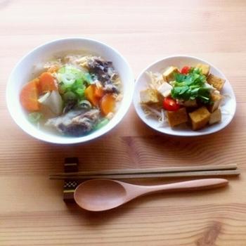 【牛テールのスープご飯「コムタン」】 材料をひたすらじっくりコトコト煮込むだけ!簡単だけど時間がかかるので休日にゆっくりと作りたいですね。