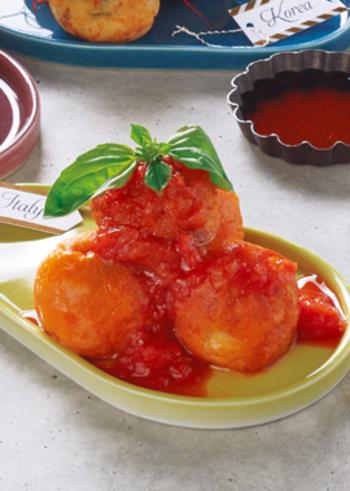 チーズやウインナーをいれたイタリアン風レシピもいかがですか?具材やソースをかえると、まるで別の食べ物。上からさらにチーズをかけても美味しそう!