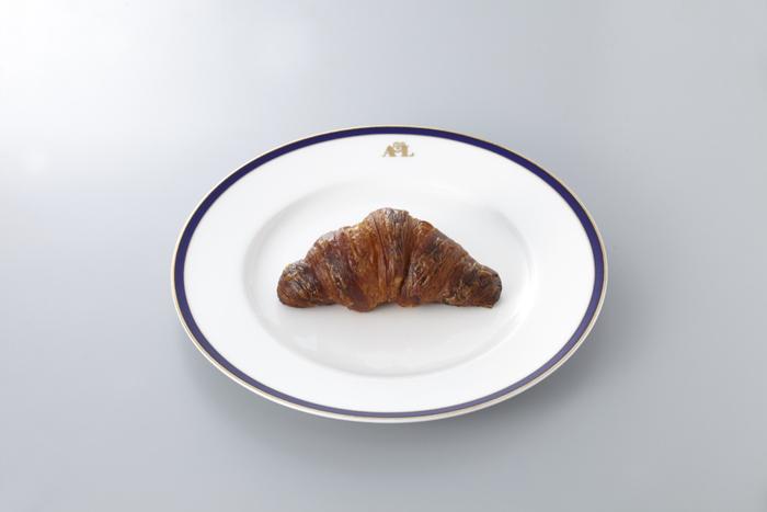 さらに『ルコント』は、クロワッサンを日本に広めたことでも有名。クロワッサンをはじめとするパンは、広尾本店で平日限定で販売。午前中に売り切れてしまうこともあるほど、人気なんだとか。