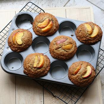 はじめてのお菓子作りはドキドキしますよね。でも大丈夫!簡単なお菓子から始めてみて下さい。きっと、作る工程、お菓子の焼きあがる香り、出来上がった瞬間。どれも楽しい体験になるはずです。  これから、お菓子作り1年生さんでも簡単に作ることができるスイーツレシピをご紹介しますので、ぜひ作ってみて下さいね。