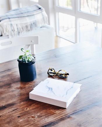 家の中を心地よいものにするためにほ、綺麗に片付いていることも大切ですね。余分には持たず、1つのものを大切に使い続けます。