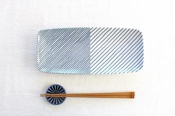 ■重ね縞 長焼皿  秋のお魚が美味しく焼けたら、丸い大皿でもなく、切るわけでもなく、せっかくなら「長皿」へ。白山陶器の重ね縞は、手書きのようなラフなラインがなんだかほっこり。